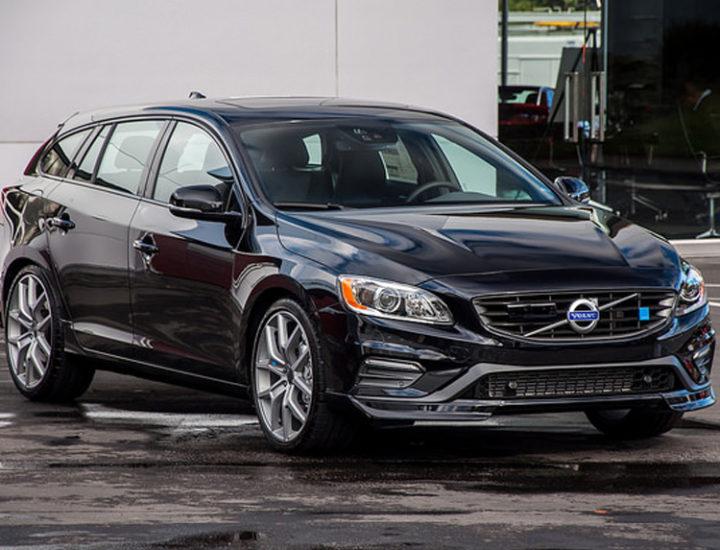 Volvo V60 – uszkodzenie błotnika